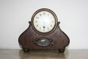 Vintage antiques clock
