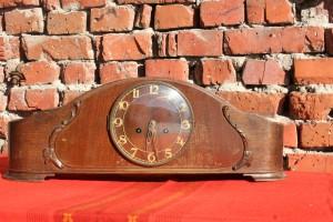 Desctop Clock with Pendulum