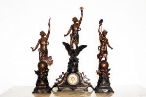Old Treasure - 3 Statues and Clock Set